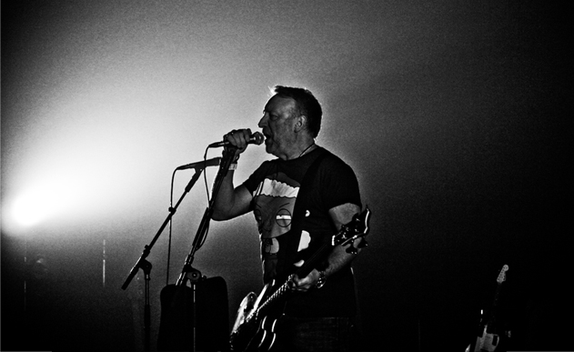 PETER HOOK [LIVE REPORT] <br> Fin de transmission
