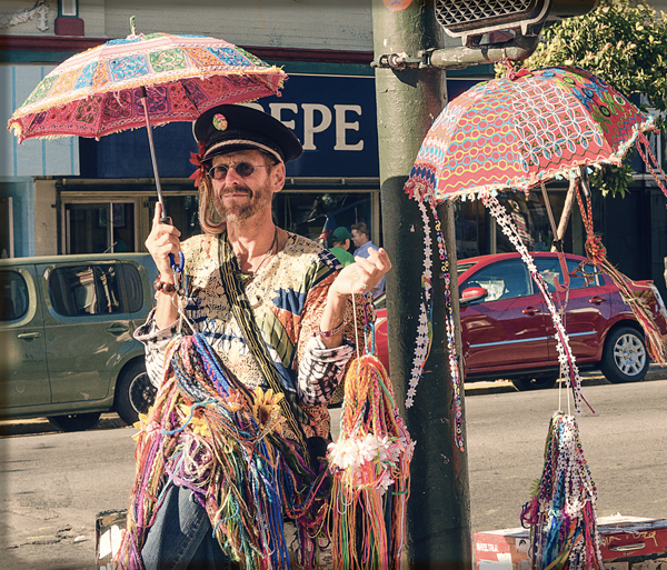 Hippie-salesman-in-Haight-Ashbury