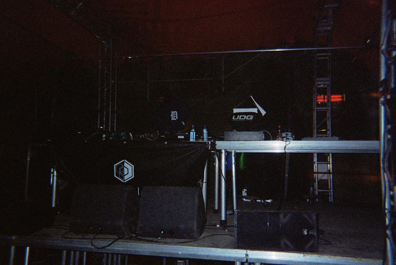 Le set le plus dark (lol): DJ STINGRAY