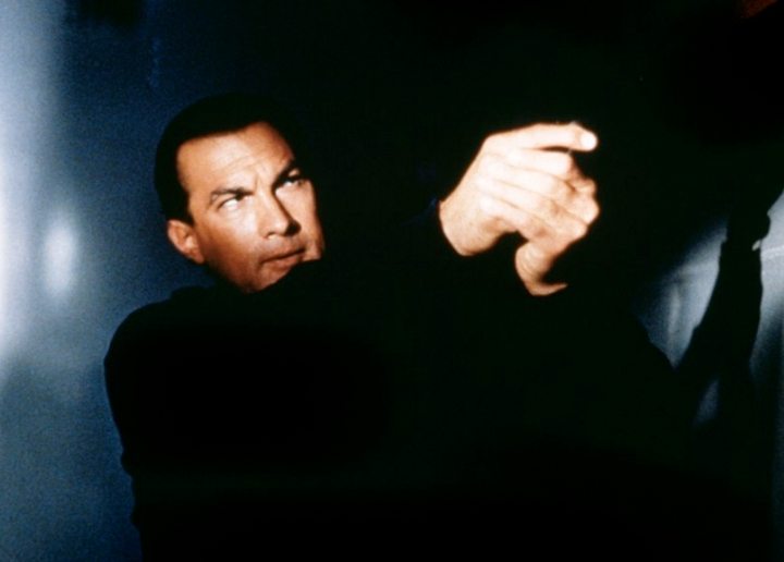 DANCERS IN THE DARK 2  Un film de Steven Seagal