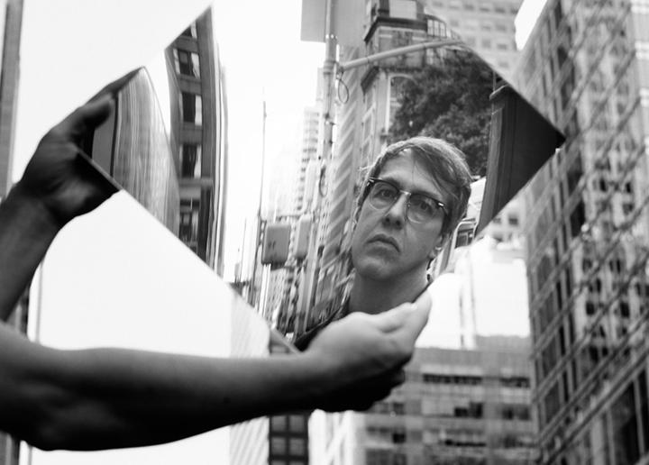 BRUCE BRUBAKER  Dans le miroir de Philip Glass