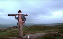 Dans son nouveau clip The Moonlandingz vous montre comment se raser avec une bûche de bois
