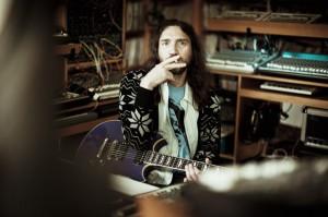 2779-john_frusciante_piscitelli_10_1100_733_90