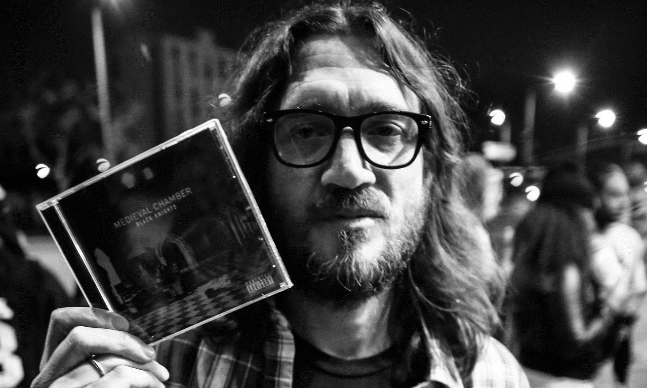 John-Frusciante-Black-Knights-January-2014