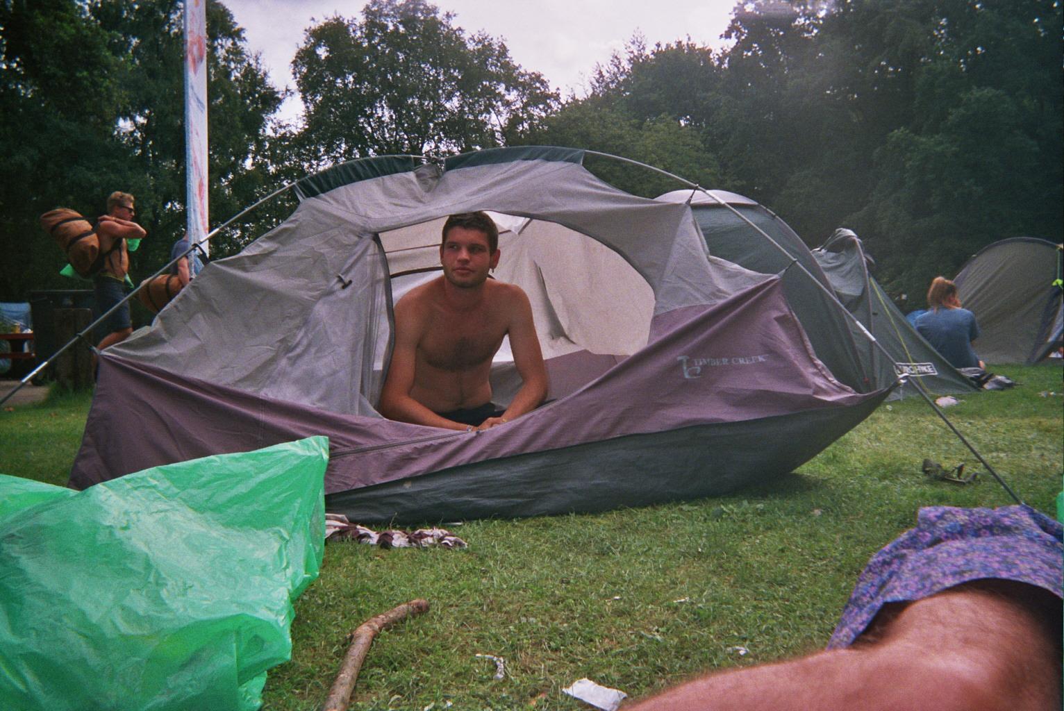 Bonus: Ah... les joies du camping...