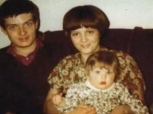 Ian Curtis, Deborah et leur fille.