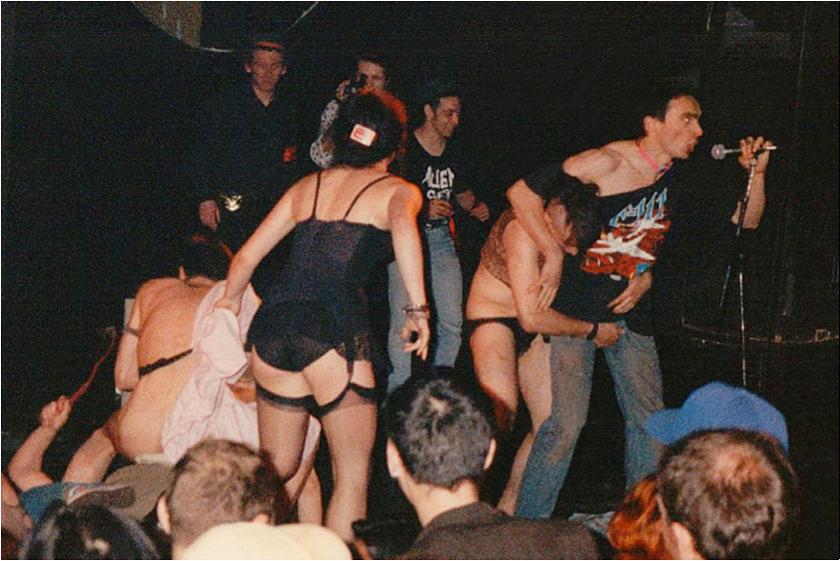 Chaos Costien au Rex Club.