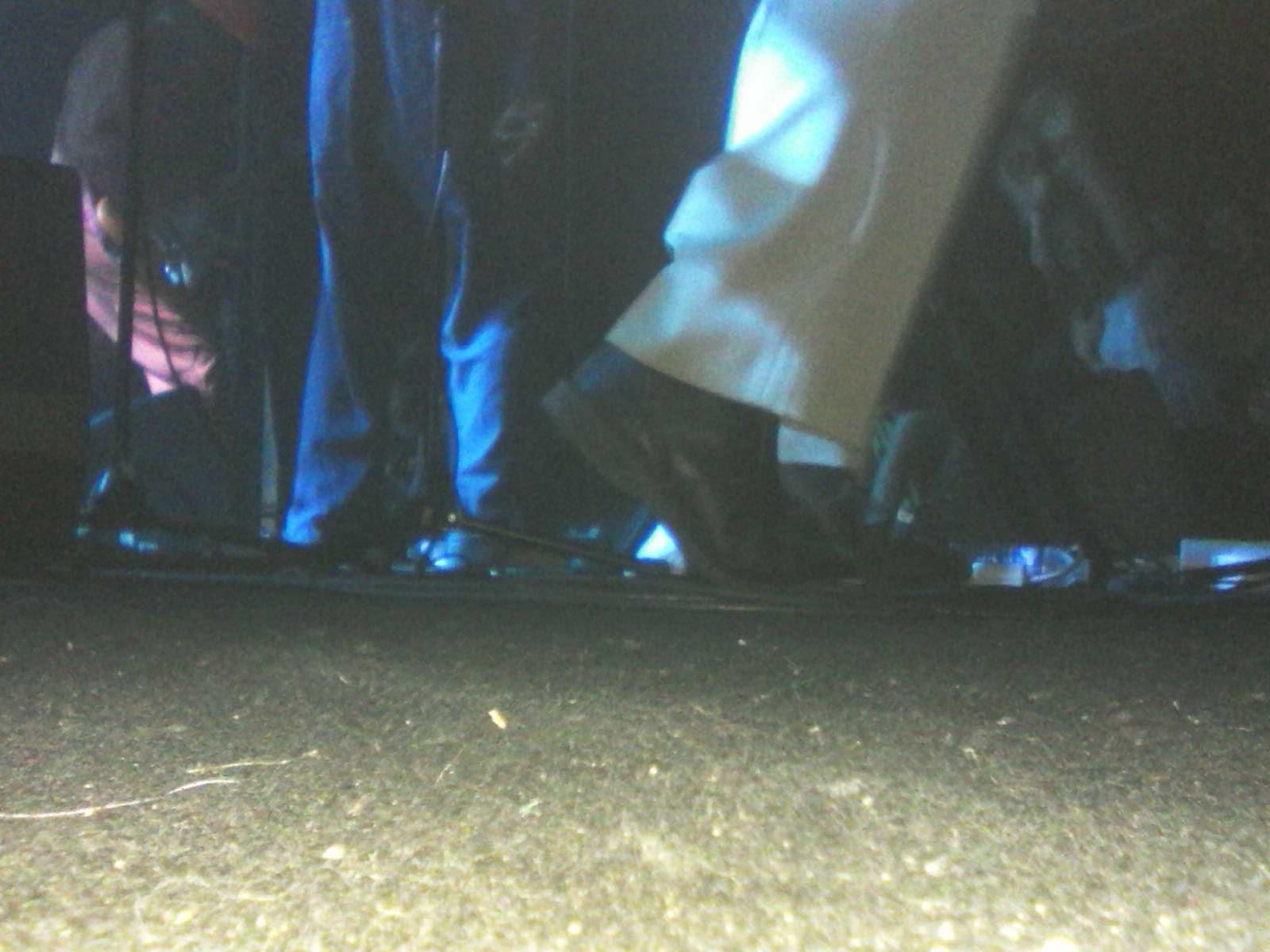 Les pieds de Ty Segall sont faits pour marcher.
